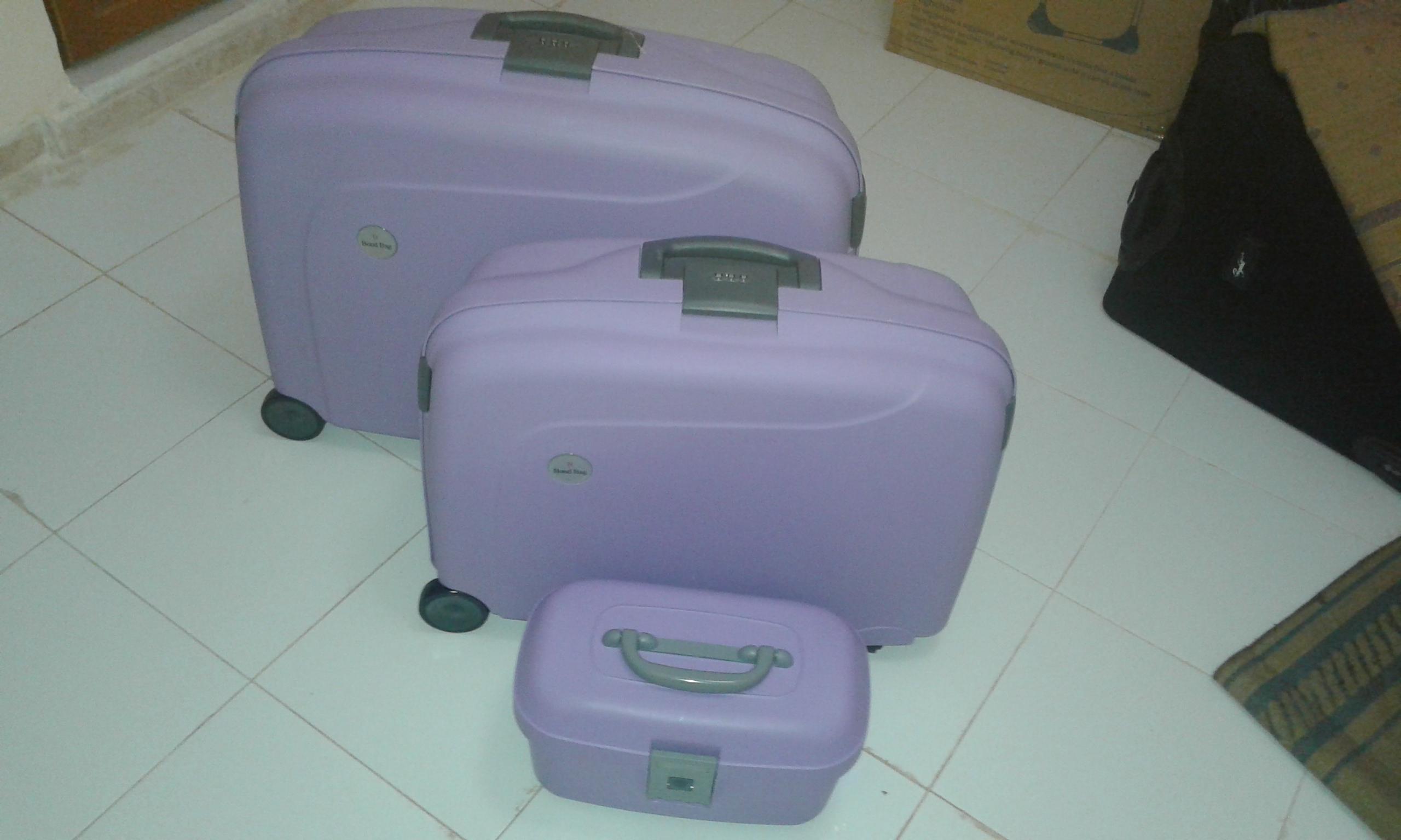 une série de valises tt 9 incassable ouedkniss