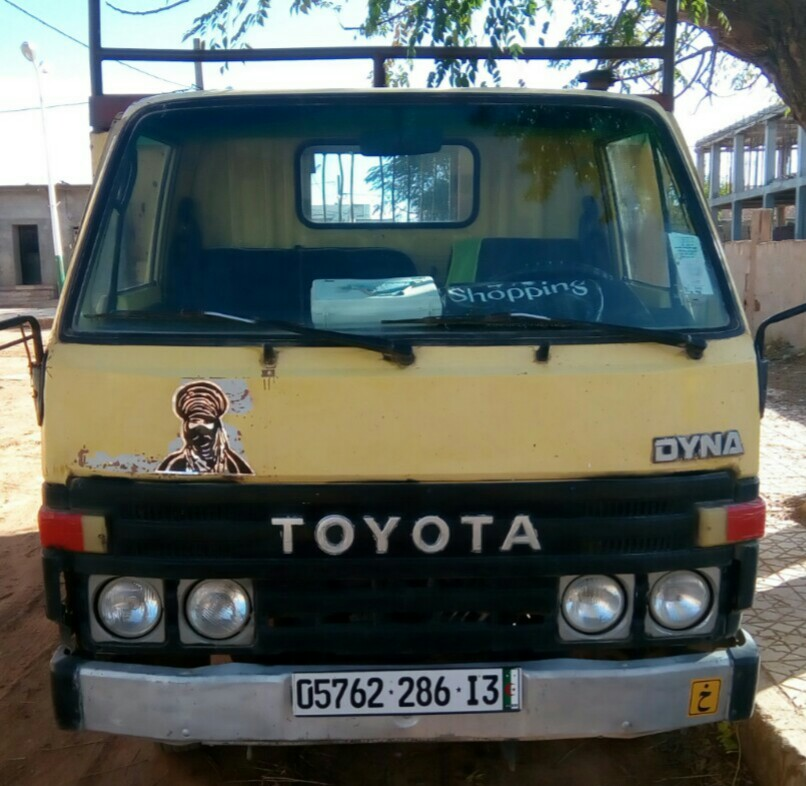 Toyota dyna ouedkniss