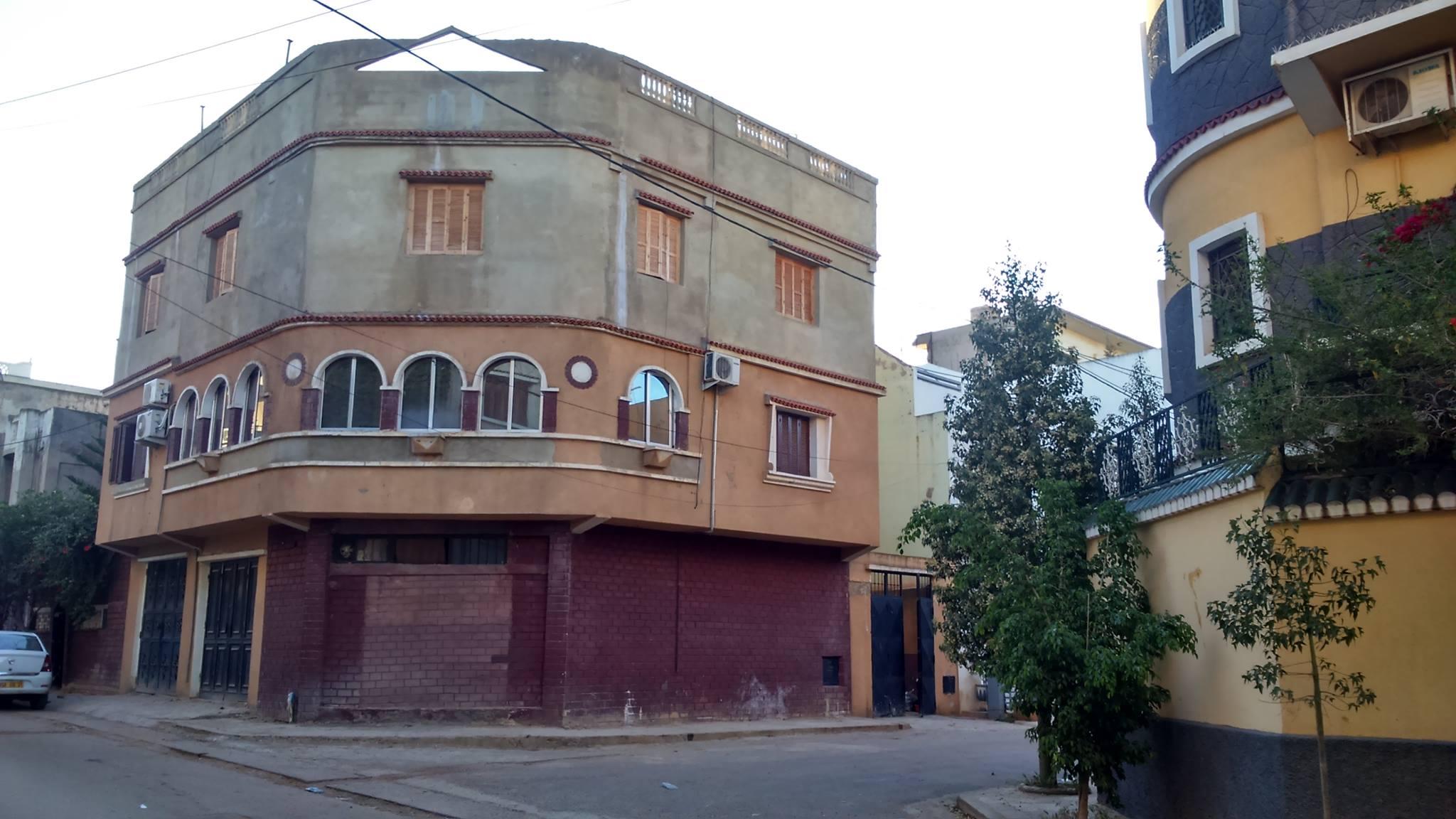 villa a lalofa oran es-senia ouedkniss