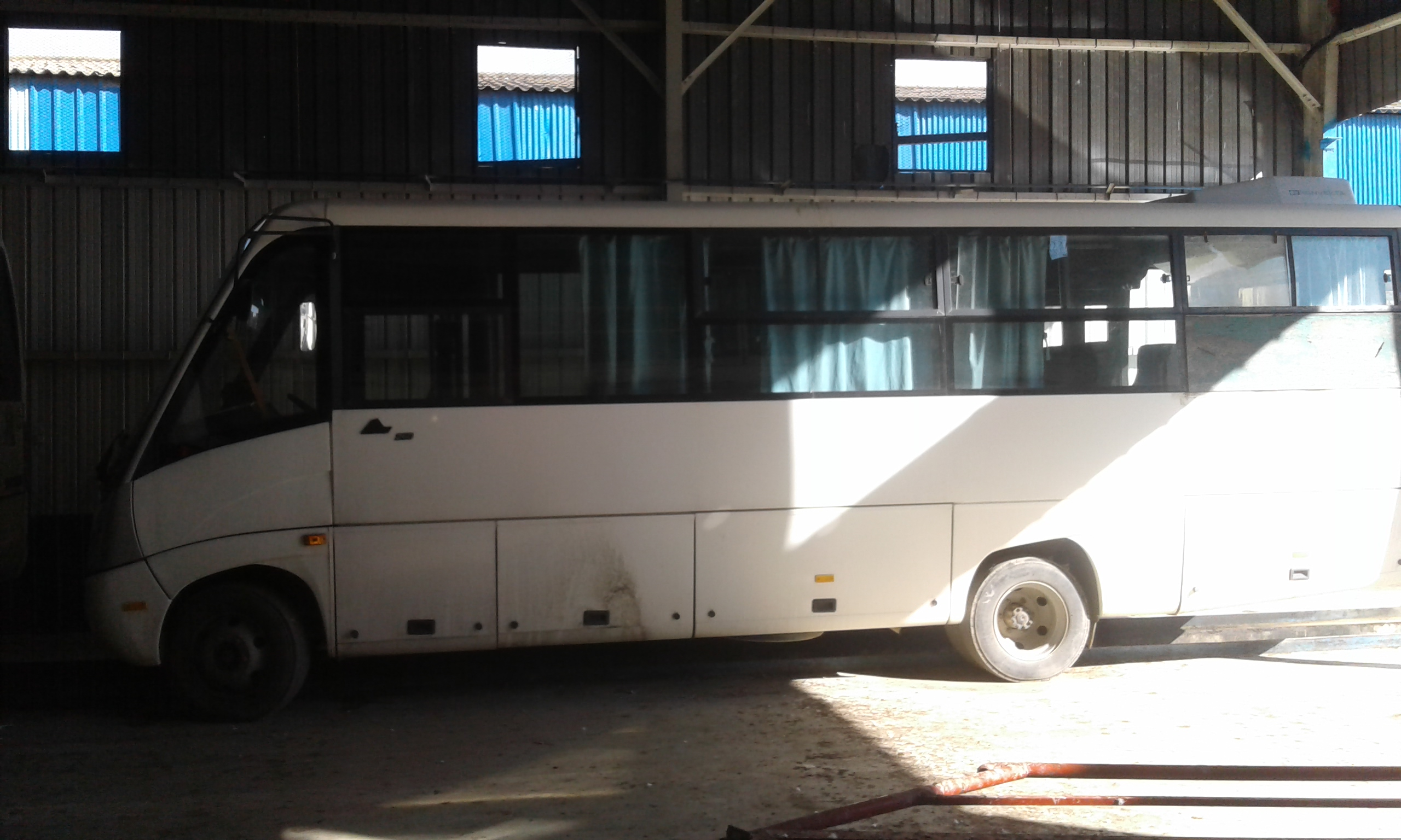 02 bus MCV 260 ouedkniss