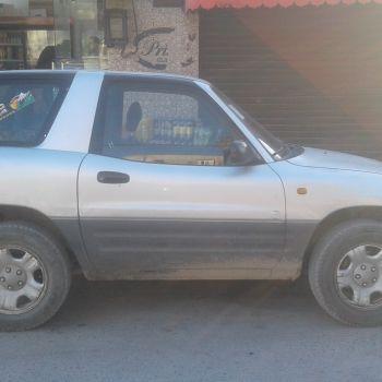 Toyota RAW4 serie 2000 1.6 essence tre bon etat ouedknisse