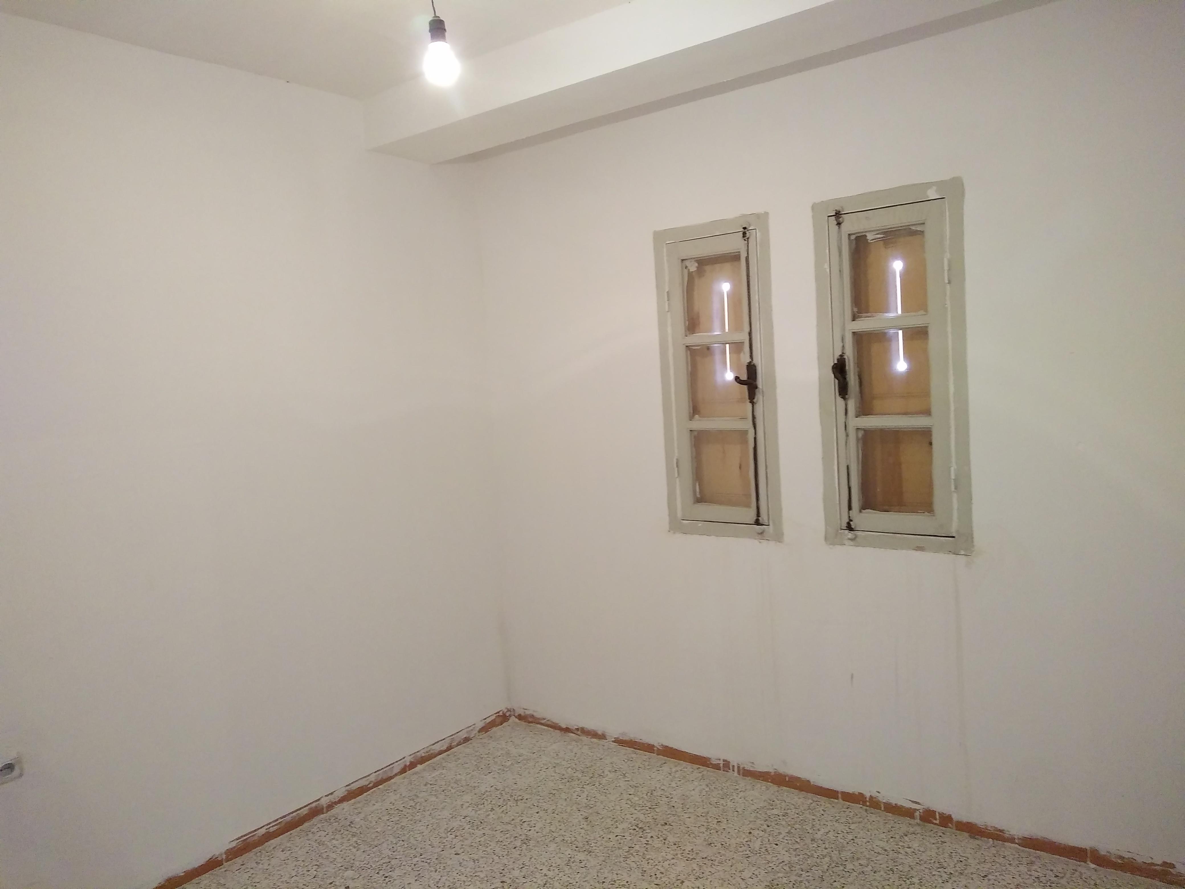NOUVELLE VILLE appartement F4 87 M2 bien situer ouedkniss