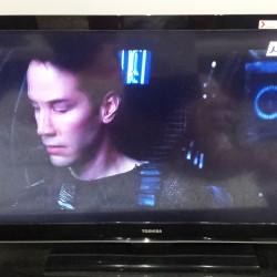 TOSHIBA   LED TV  42 pouces tres bon etat ouedkniss