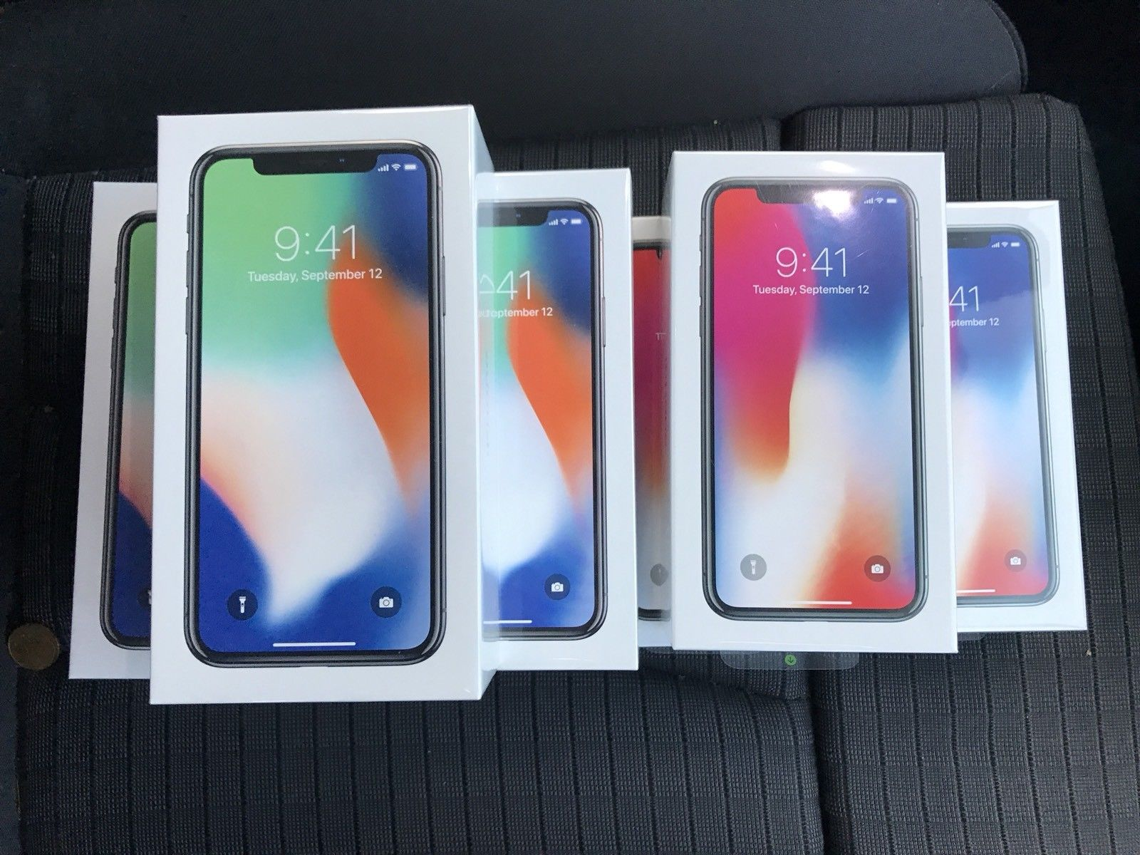 BUY STOCK - APPLE IPHONE X 256GB UNLOCKED SIMFREE -2 YEARS APPLE WARRANTY ouedknisse