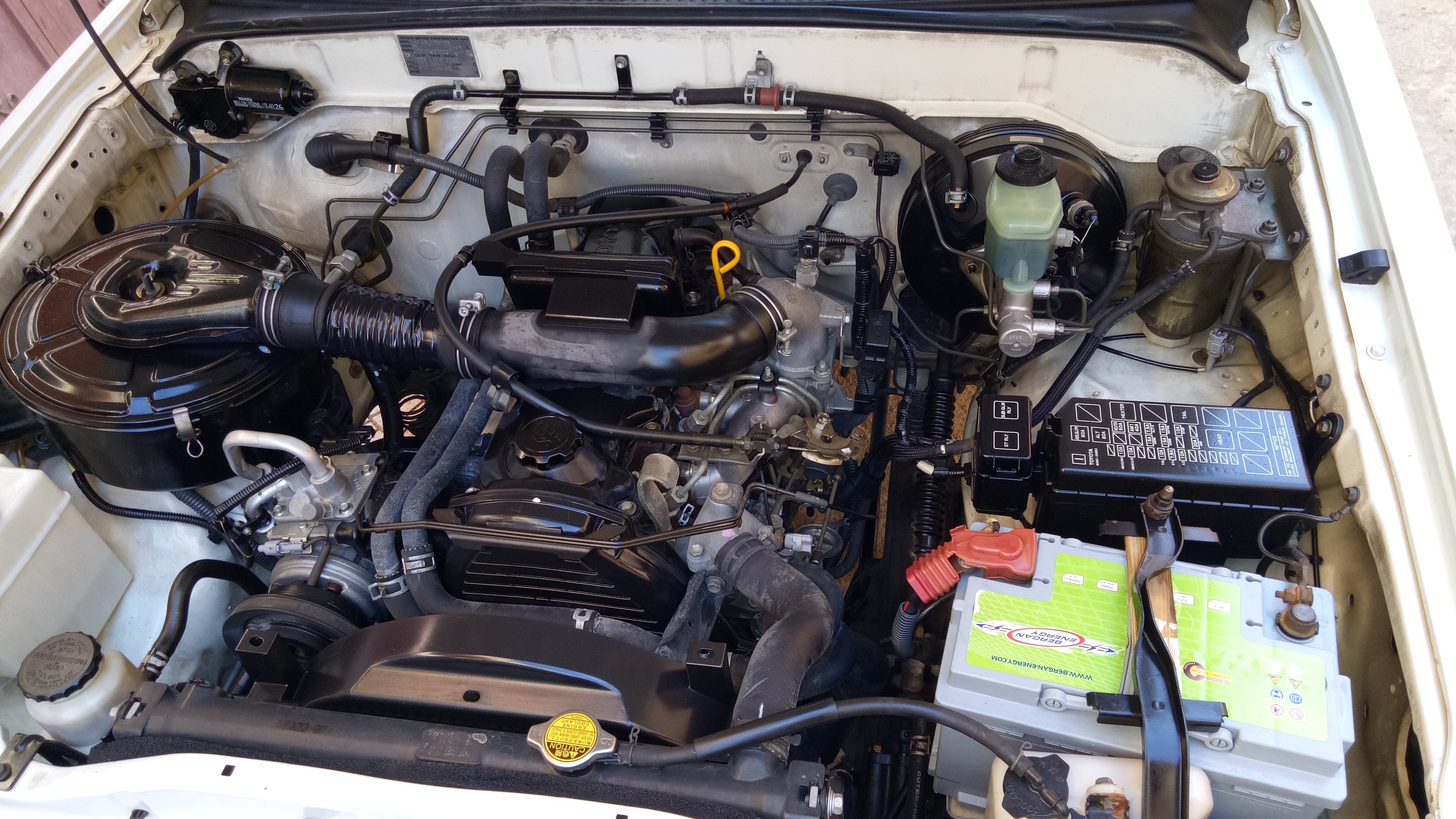 Toyota hilux 2006 1ere main machya 244mille ouedkniss