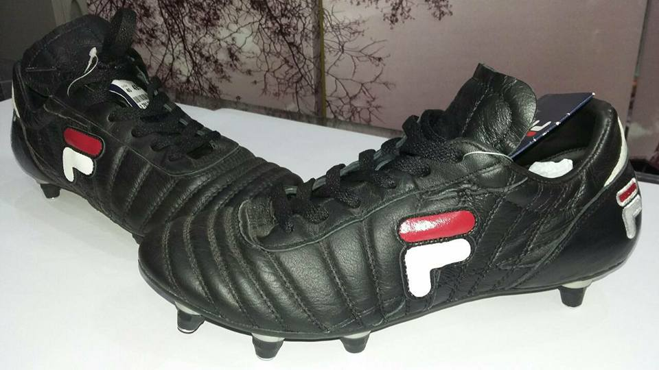 Chaussures Football fila crampon ouedknisse