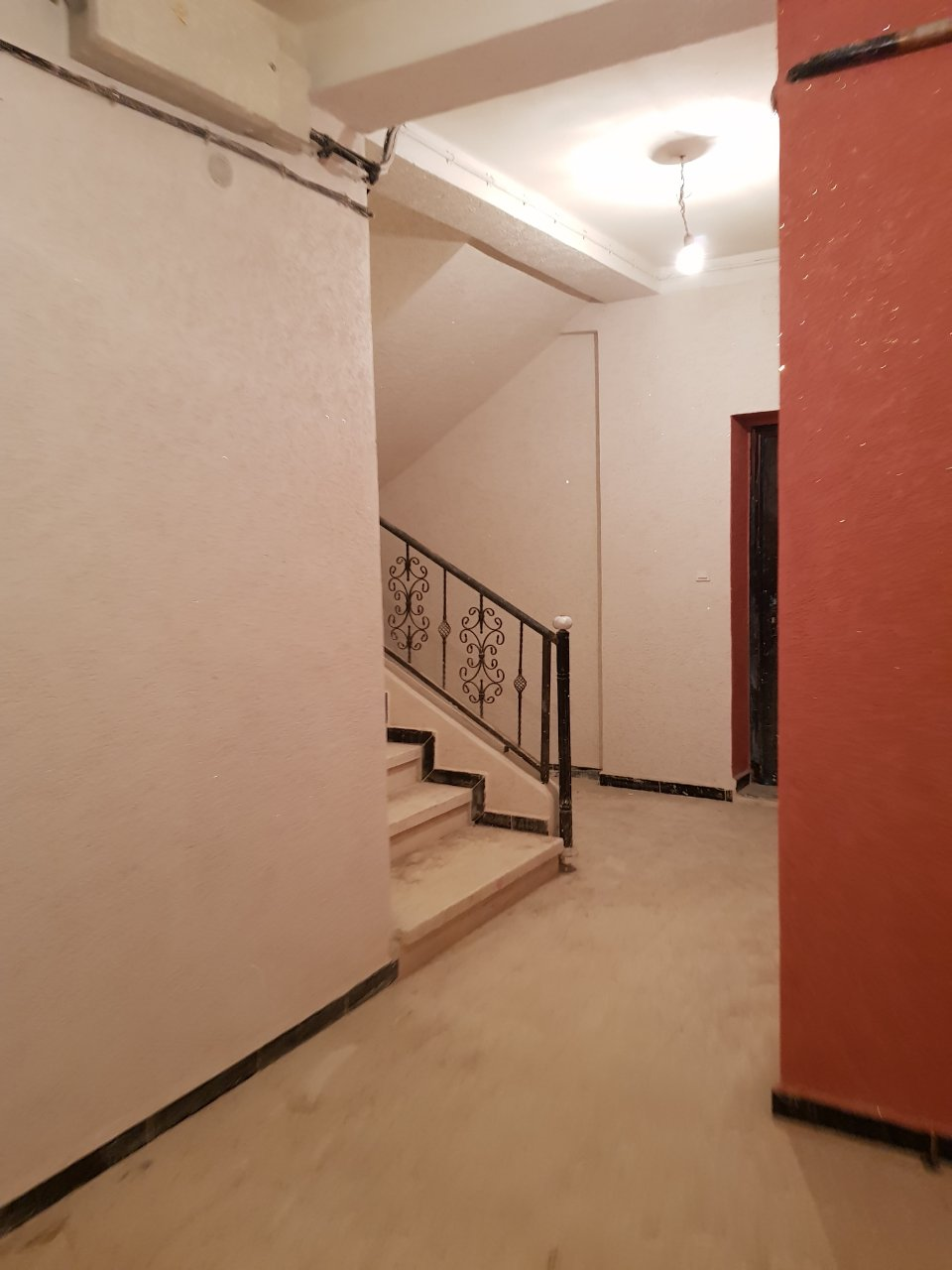 vente tres belle appartement semi fini au tours villa tizi ouzou ouedkniss